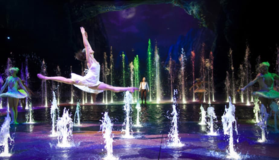 全球 Desk_924x530px_SEE-House-of-Dancing-Water.jpg