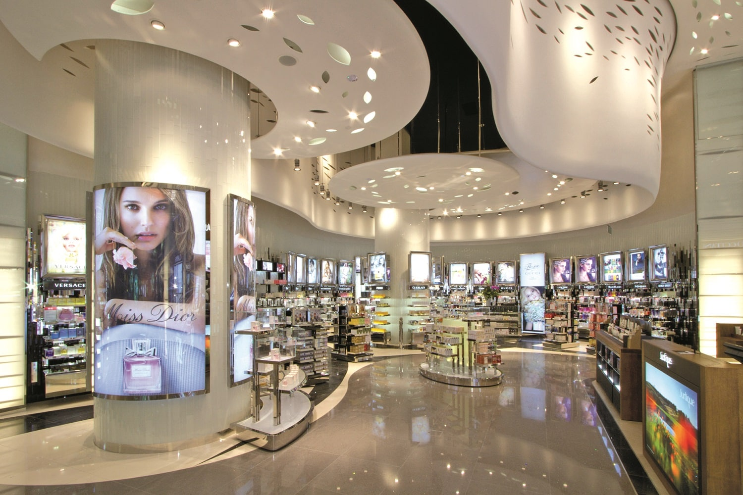 Global DFS Galleria Singapore Debuts Revamped Beauty Hall FRAGRANCE.jpg
