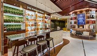 Singapore Whisky-House_1x1_DESk.jpg